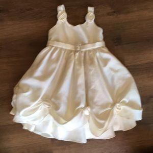 MUNECA Toddler Dress Size 2T